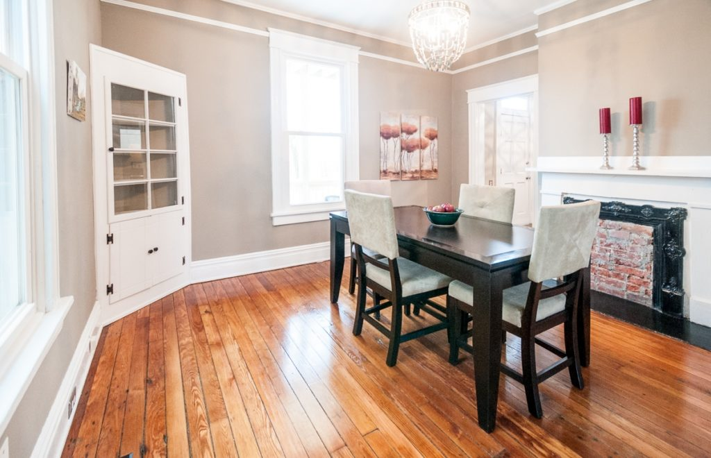 403 W 24th St dining room2