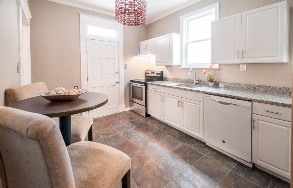 403 W 24th St kitchen